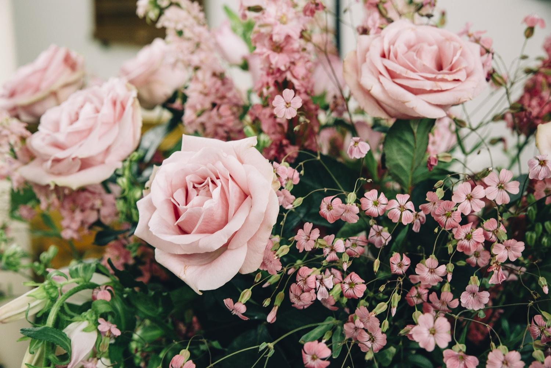 locatiebloemen decoratie bruiloft